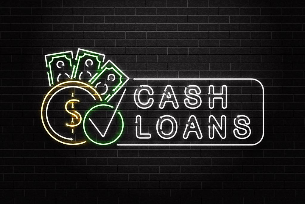 neon-sign-displaying-cash-loans